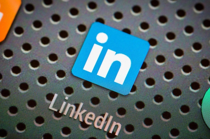 LinkedIn: 5 profile updates in 5 minutes