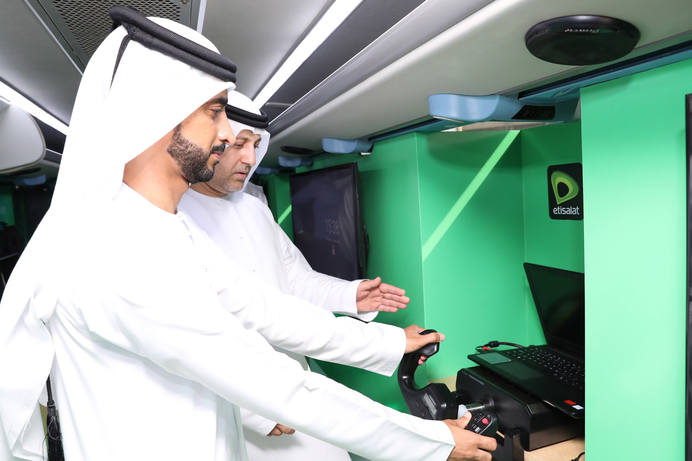 Etisalat's 5G Experience Bus showcases real life use cases