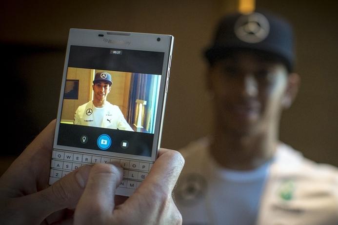 F1's Rosberg, Hamilton launch white Blackberry Passport in Dubai