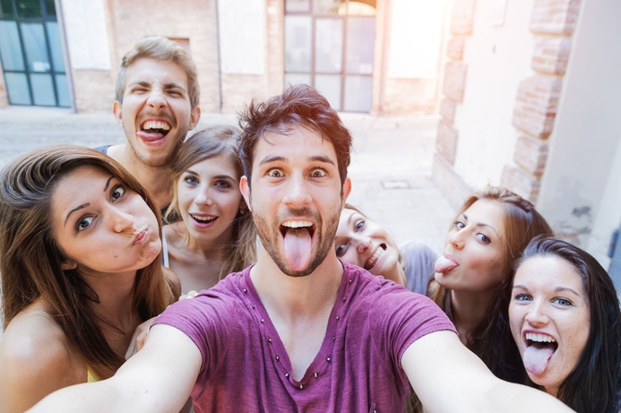 Live video to become the new 'selfie' by 2017