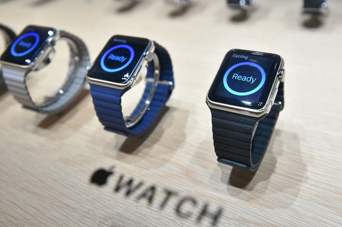 Apple Watch hits UAE grey market with mark-ups of over 200%