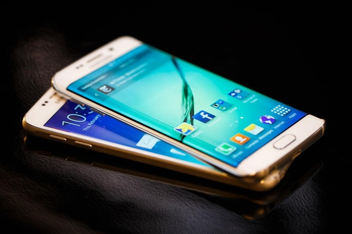 Samsung wins patent war with Apple