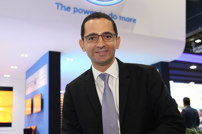 Dell streamlines distribution channel
