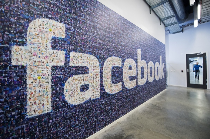 Facebook to take plunge into hardware devices: report