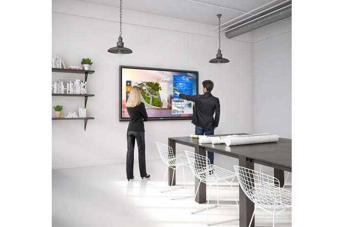BenQ unveils digital signage solutions