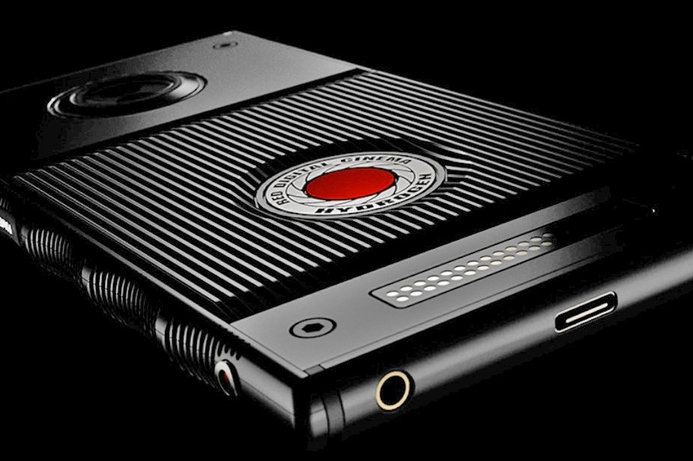 RED unveils smartphone with holographic display