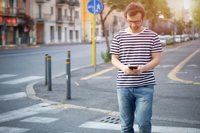 Smartphone 'addiction' might damage FMCG brands