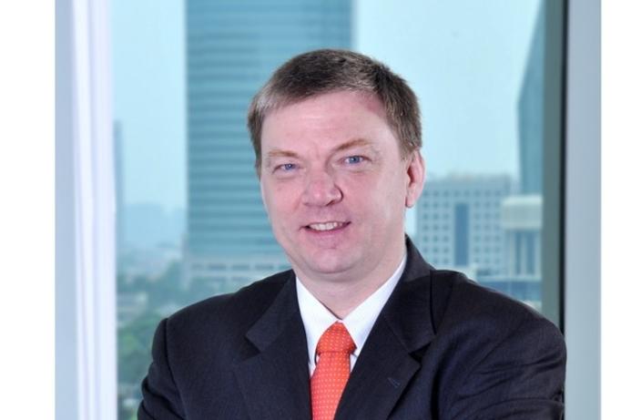Axis seals $1.2 billion funding