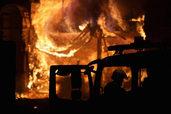 Sony warehouse burns in London riots