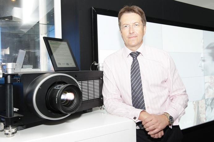 NEC closes projector gap