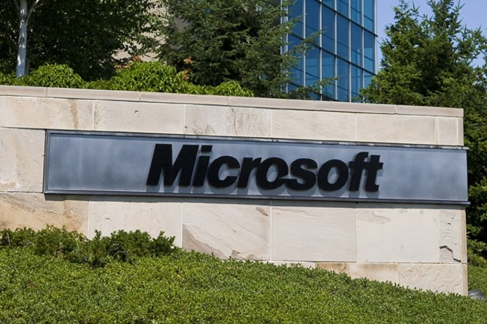 Microsoft sees surge in business PC sales