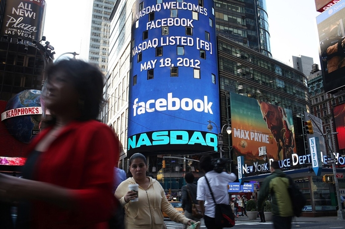 Facebook IPO sees share price flat