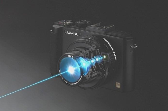 Panasonic unveils premium digital compact camera