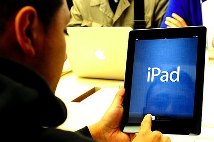 UAE colleges switch to iPad-only classrooms