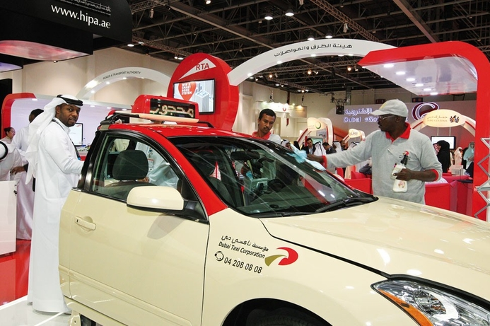 Dubai Taxi offers road assistance with Smart Tow
