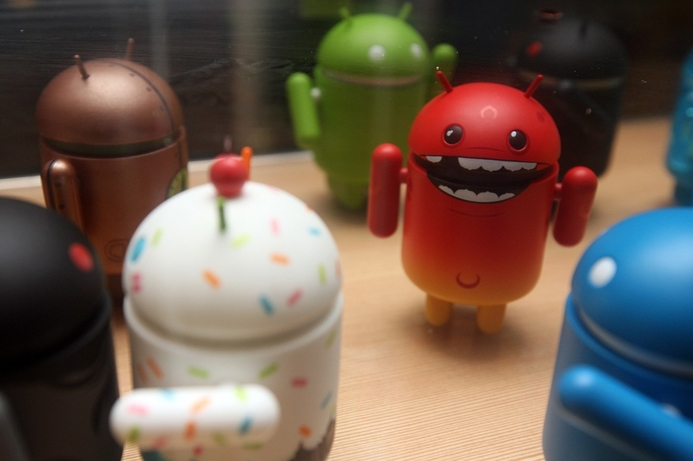 Android smartphone dominance grows