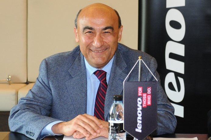 Lenovo's Lanci vows to keep company at the top