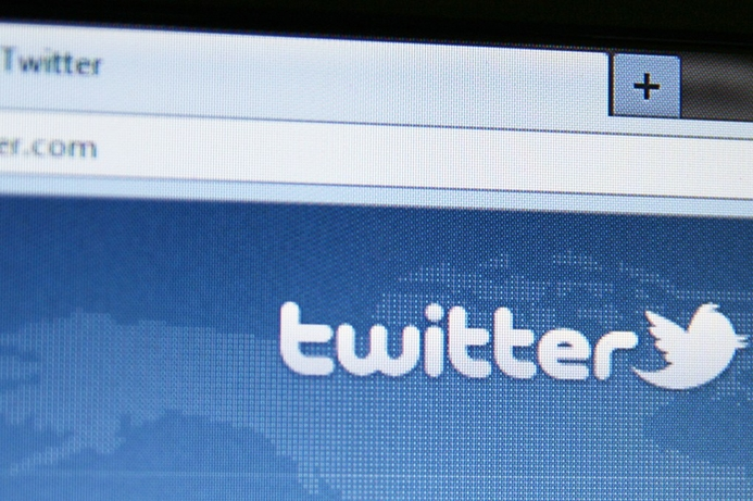 Rights group condemns Kuwait's Twitter jail terms