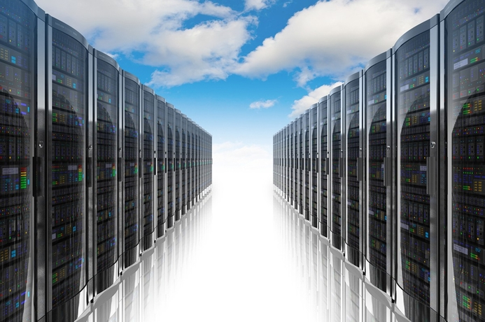 Oracle launches 'first database designed for cloud'