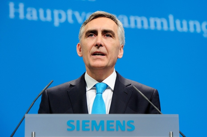 Siemens CEO Loescher will fight to keep job