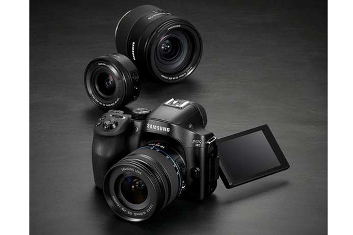 Samsung launches latest camera and lenses in UAE