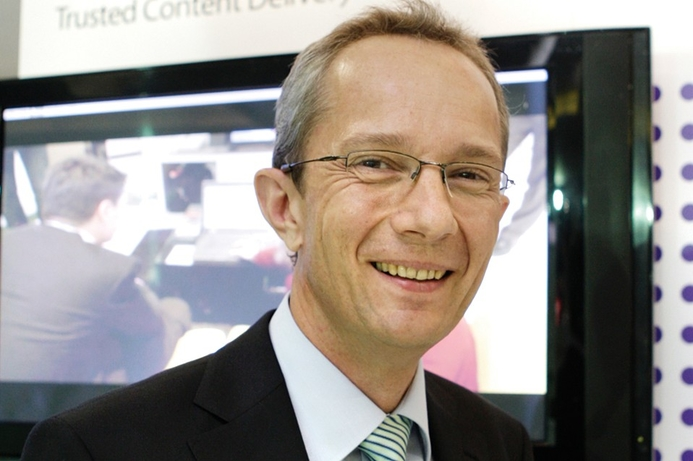 Alcatel Lucent sees signs of recovery