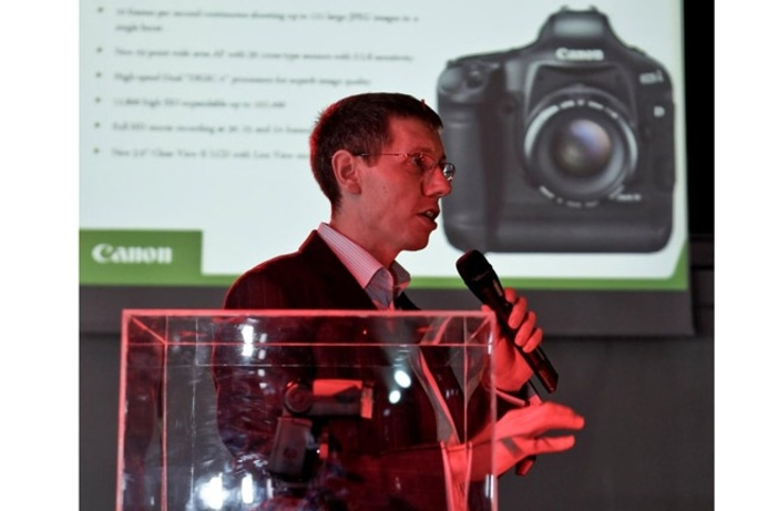 Canon releases new DSLR in Middle East