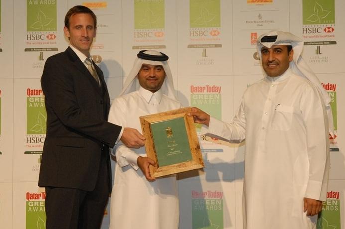 Qtel gets Green Retailer Award for 2010