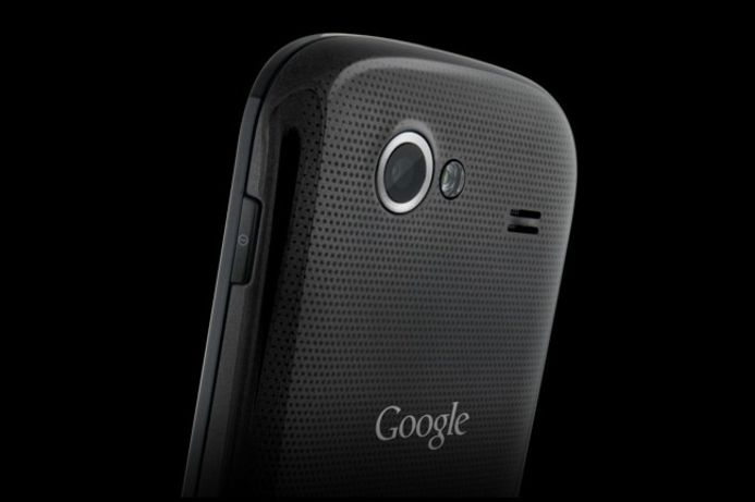 Google shows off Gingerbread and Nexus S