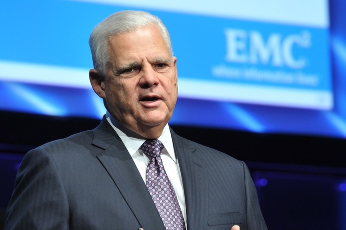 EMC CEO to step down by end 2012