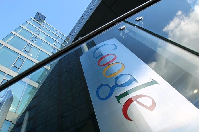 Google AI defeats human playing Go