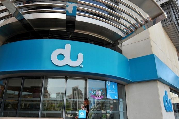Du reports record quarterly revenues