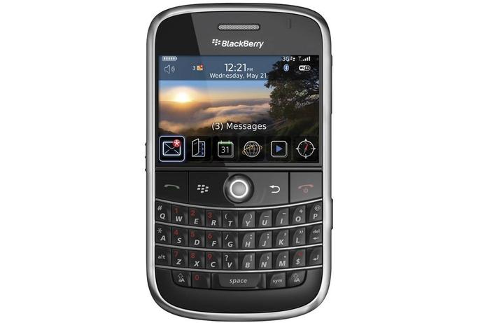 Saudi allows BlackBerry Messenger to continue