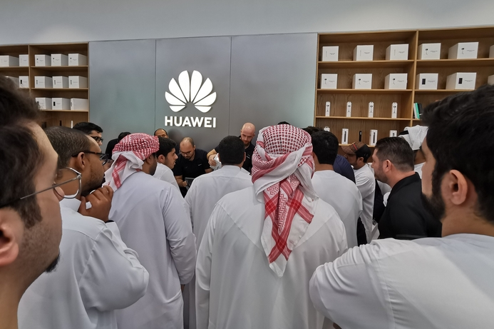 Huawei P30 preorders exceed expectations