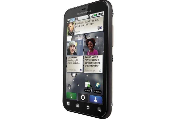 Motorola's FLIPOUT and DEFY phones land in UAE