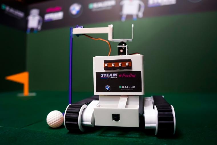 Robot golf tournament on course for Dubai