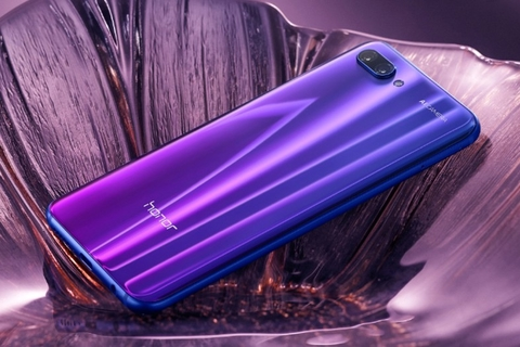 Honor launches Honor 10 in UAE