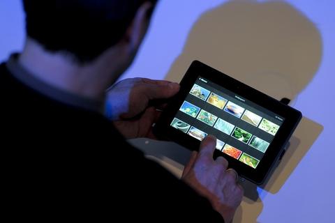 Axiom to stock BlackBerry PlayBook