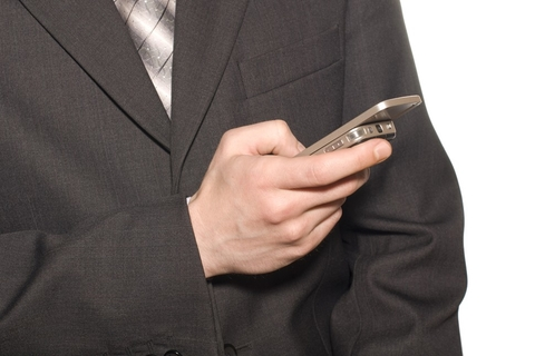Abu Dhabi bank first to use new Etisalat mobile payments