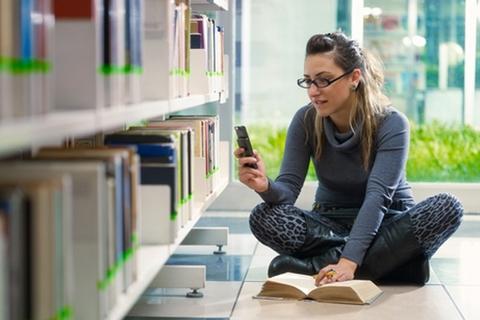 Abu Dhabi University implements mobile learning