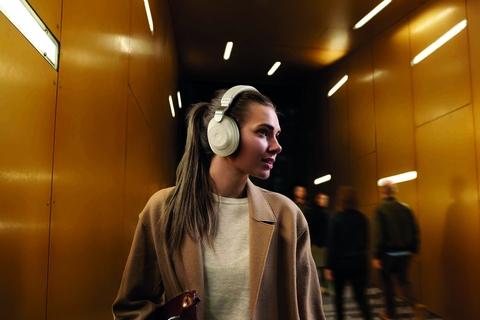 Jabra now shipping Elite 85h headphones