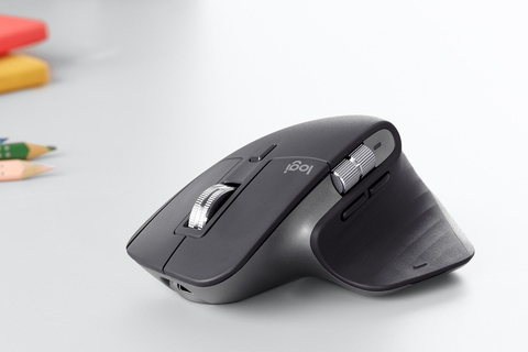 Logitech makes one of their best in class mouse and keyboards even better